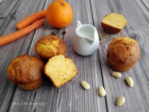 Muffin vegani all'arancia carote e mandorle