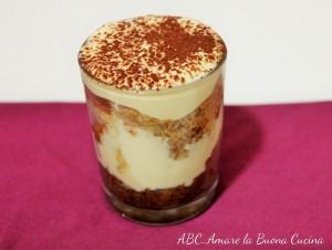 bicchierini con pandoro e crema di mascarpone
