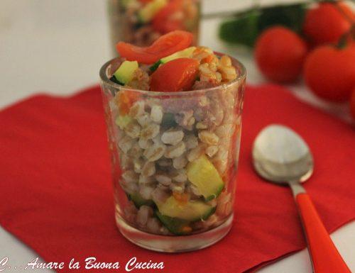 Insalata di Farro con Salsiccia, Zucchine e Pomodorini