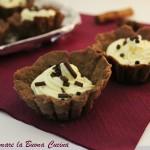 Mini-crostatine con frolla al cacao e crema diplomatica