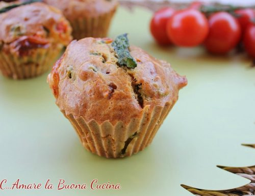 Muffin con Asparagi, Pomodorini e Formaggio