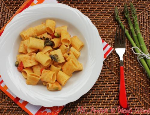 Mezze Maniche con Asparagi, Pomodorini e Tonno