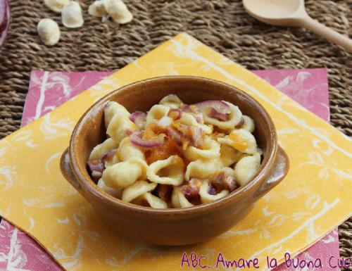 Orecchiette con Zucca, Cipolla e Pancetta