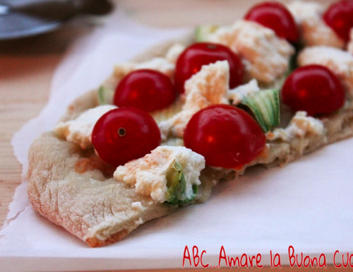 Pizza Bianca con Zucchine, Pomodorini e Ricotta