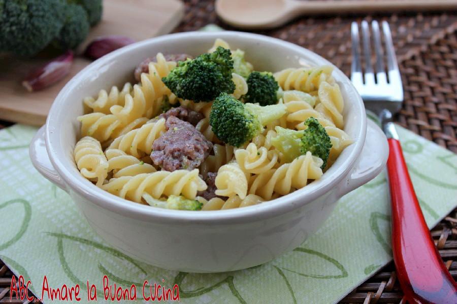 Pasta con Broccoli e Salsiccia