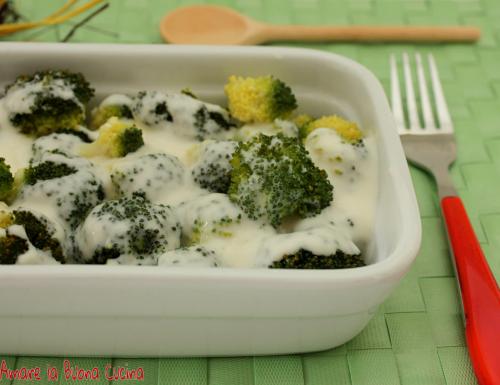 Broccoli al Vapore con Besciamella