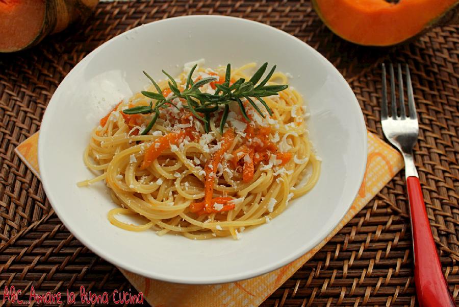 spaghetti con zucca e ricotta salata (2)