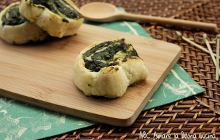 girelle di pasta sfoglia con ricotta e spinaci 2
