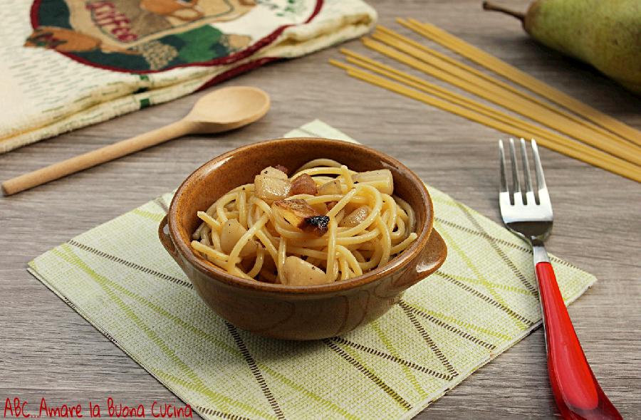 spaghetti con guanciale e pere 1