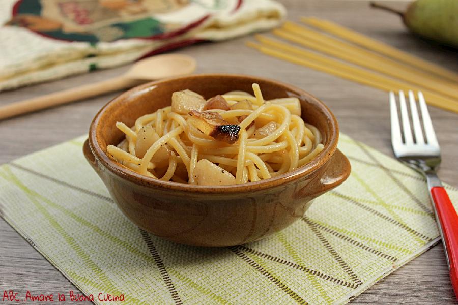 spaghetti con guanciale e pere 2