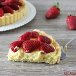 Crostata con crema pasticcera, ricotta e fragole