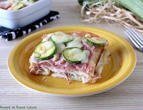 Torta di pancarrè con zucchine, prosciutto e scamorza