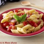 Pasta fredda con pomodorini, fagioli e cipolla