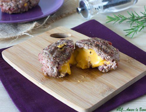Hamburger ripieni di formaggio