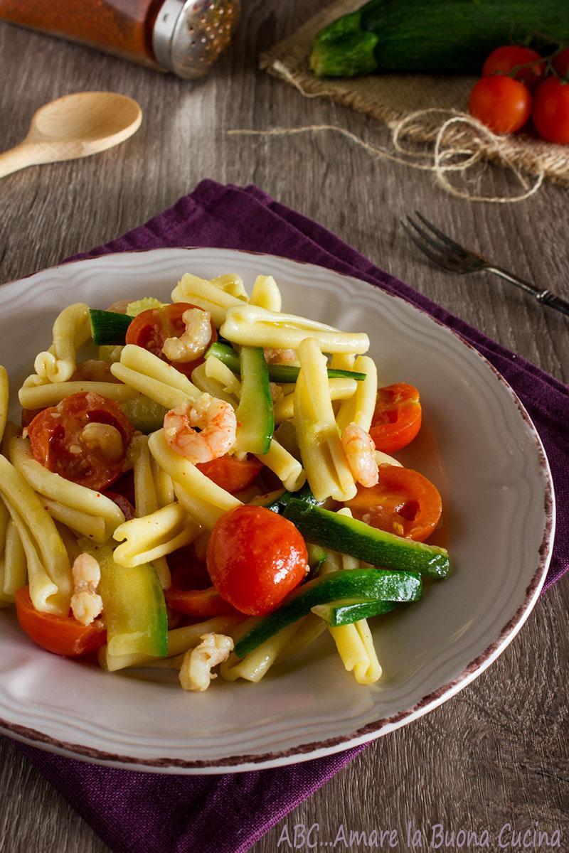 pasta zucchine gamberetti e pomodorini 2
