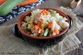 insalata di riso con zucchine carote e feta