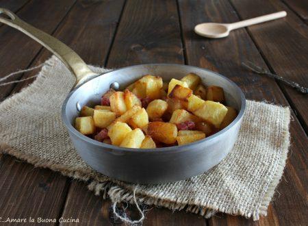 Patate e pancetta in padella
