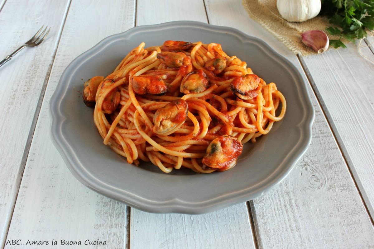 spaghetti con pomodoro e cozze 2