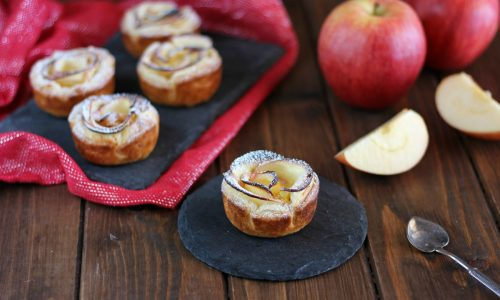 Cestini di sfoglia con crema al limone e mele