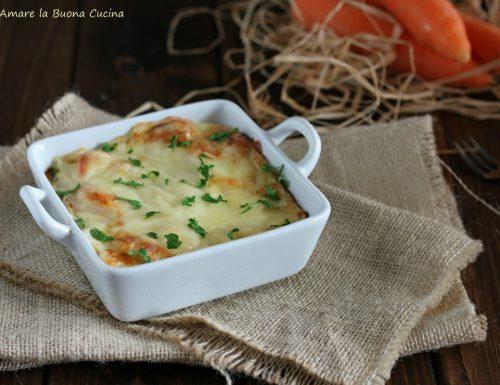 Carote gratinate con besciamella e formaggio