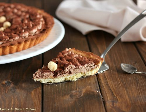 Crostata con crema alla Nutella e nocciole