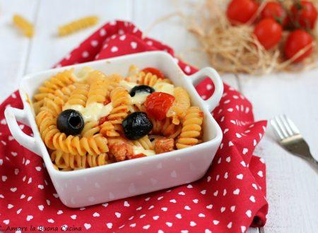 Pasta al forno con tonno e mozzarella