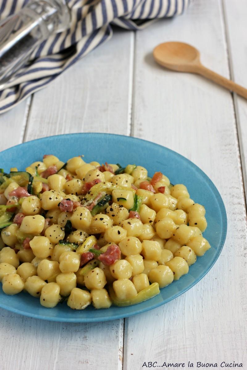 gnocchetti con zucchine pancetta e gorgonzola 2