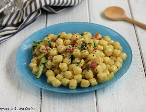 Gnocchetti con zucchine, pancetta e gorgonzola