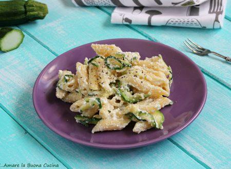 Pasta con zucchine e ricotta