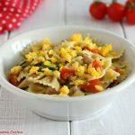 Pasta con zucchine, tonno e uovo sodo
