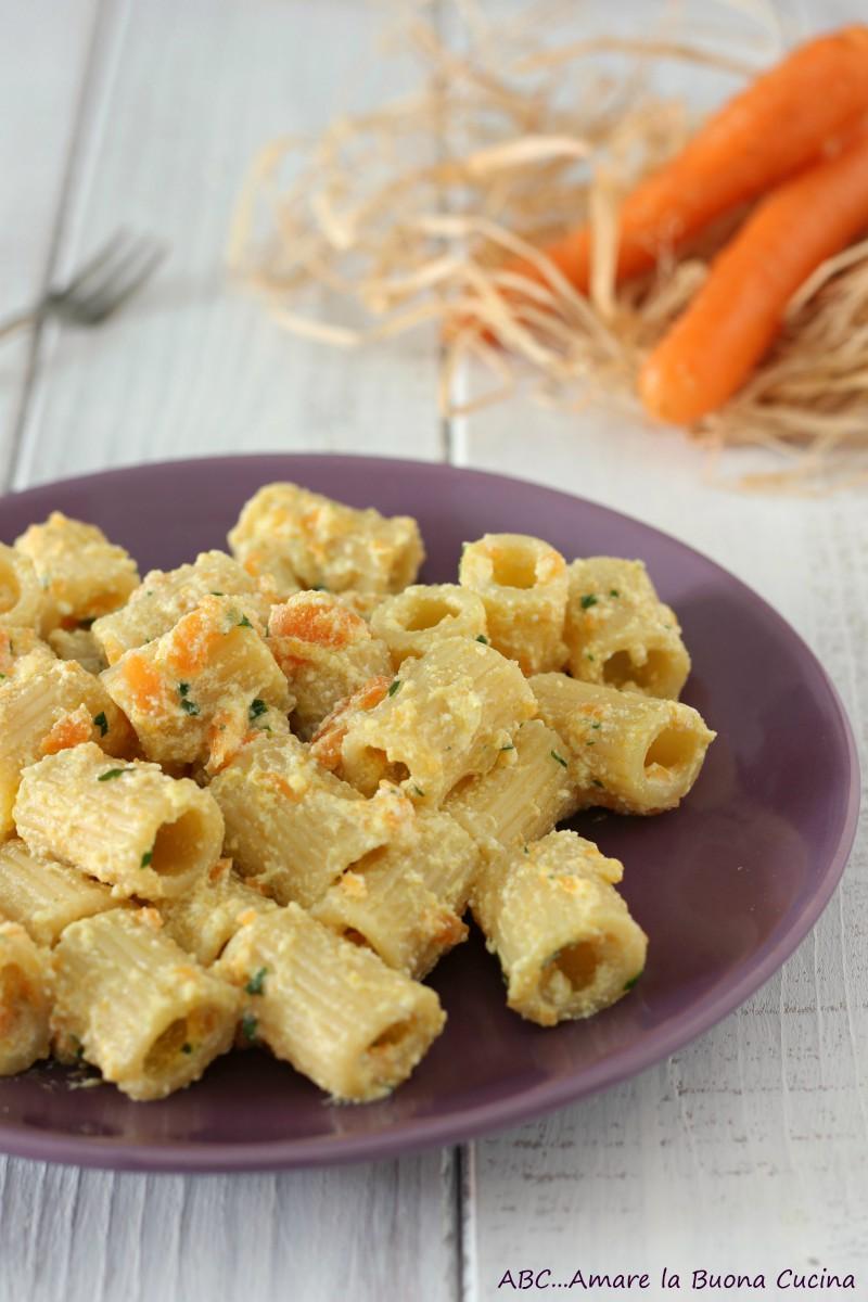 pasta con crema di carote e ricotta 2