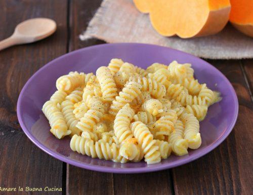 Pasta con formaggi e zucca