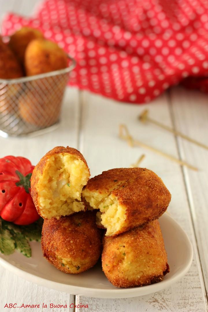 crocchette di patate con mortadella e scamorza 2