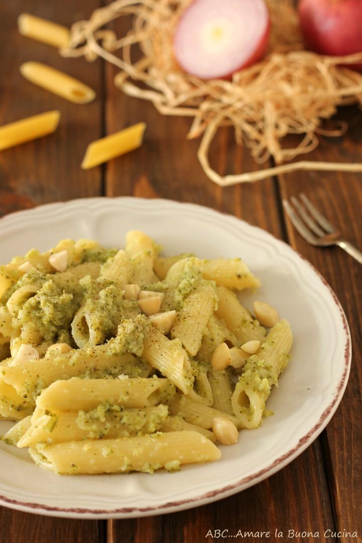 pasta con pesto di broccoli e mandorle 2