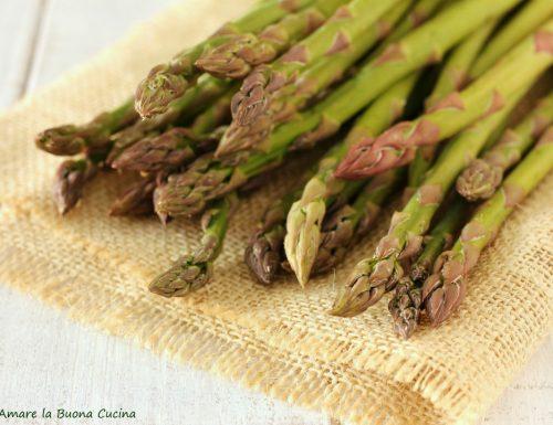 Asparagi: pulizia, conservazione e consigli utili