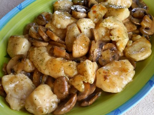 Bocconcini di pollo ai funghi