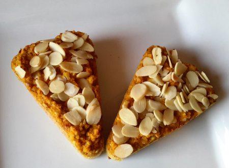 Torta carote e mandorle senza grassi ne' zuccheri aggiunti