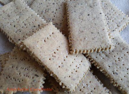 Crackers di fagioli e nocciole