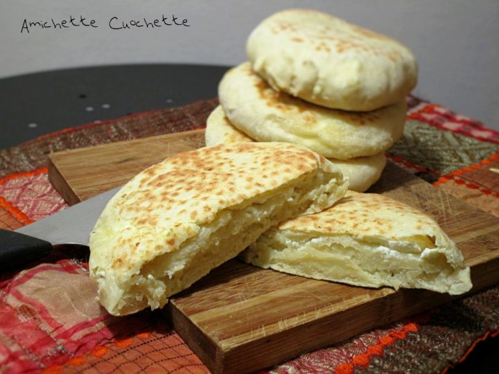 Focaccine indiane al formaggio