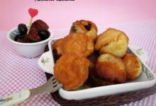 Frittelle di pane con verdure e acciughe