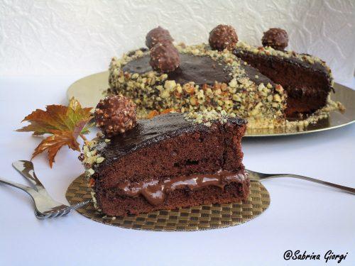 Torta nutella e nocciole con ganache al cioccolato