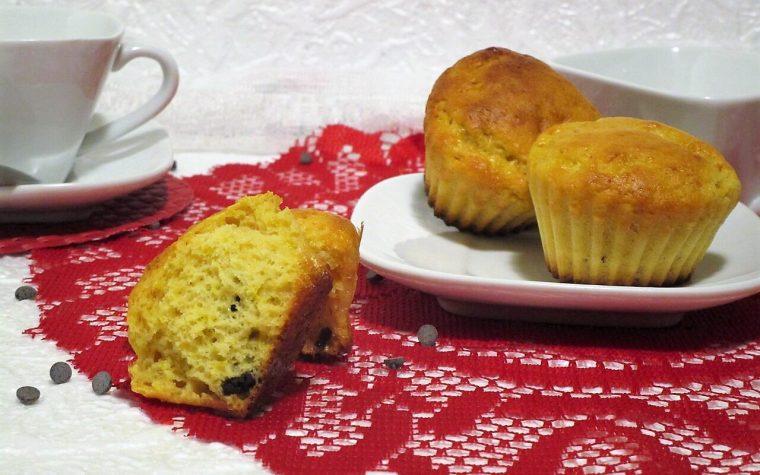 Muffin proteici light con gocce di cioccolato