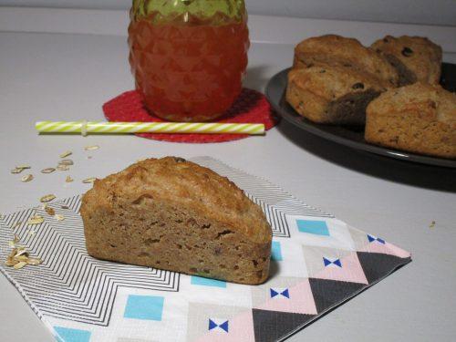 Torta integrale con uvetta e fiocchi di avena