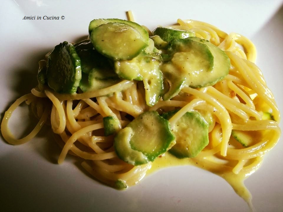 Spaghetti alla carbonara di zucchine - Ivana