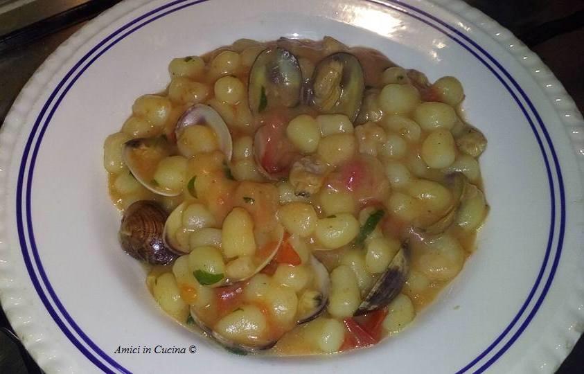 Gnocchetti alle vongole, gamberetti e pomodorini – Rita D.
