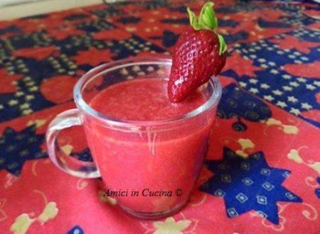 Centrifrugato dimagrante e antiossidante fragole, zenzero e limone – Rita Z.