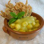 Gnocchi di patate con crema di zucchine e fiori croccanti al forno – Tessa G.