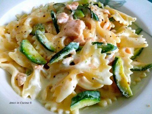 Farfalloni con robiola, zucchine e salmone affumicato – Tessa G.