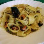 Paccheri in pesto di zucchine e cozze