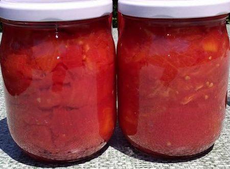 Conserva di pezzettoni di pomodori